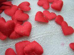 Hochzeitsdeko - 800 Herzen zum Streuen rot - ein Designerstück von chriscollagen…