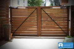 Adorable Garden fence small,Privacy fence 8 ft and Modern fence gate design. Side Gates, Front Gates, Fence Gates, Horse Fence, Picket Fences, Entry Gates, Entrance, Wood Privacy Fence, Brick Fence