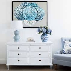 Beautifully crafted, our classic styled chest of drawers would sit comfortably in a Hamptons or French home and features 6 spacious drawers and tapered, fluted legs. From Lavender Hill Interiors. Hamptons Style Decor, Die Hamptons, Hamptons Bedroom, White Chest Of Drawers, White Chests, Beautiful Bedrooms, Shabby Chic Furniture, Decoration, Decorating Your Home