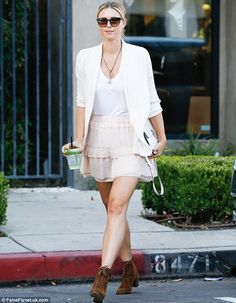 Simply pin-credible: She showcased her toned legs in a pleasingly highcut…