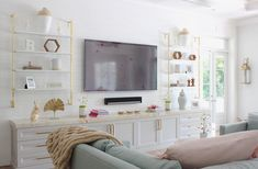 The 50+ Best Entertainment Center Ideas - Home and Design - Next Luxury Entertainment Wall Units, Living Room Entertainment Center, Living Room Wall Units, Living Room Decor, Flat Interior, Interior Design, Coastal Interior, Modern Spaces, Modern Tv