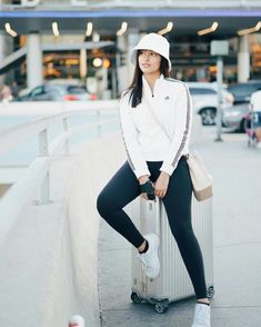 Liza Soberano is back in the Philippines The Girl Who, My Girl, My Ex And Whys, Lisa Soberano, Celebrity Fashion Outfits, Celebrities Fashion, Filipina Actress, The Best Is Yet To Come, Summer Photos