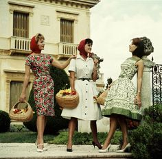 Three women are about to be ( Funny blonde jokes ) 1960s Fashion, Trendy Fashion, Vintage Fashion, Vintage Style, Vintage Dresses, Vintage Outfits, 50s Dresses, Casual Outfits, Fashion Outfits