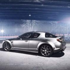 Une belle #Mazda #RX8 pour vous motiver ce matin! #duvalauto #boucherville #montreal #auto #zoomzoom #instacars #supercars