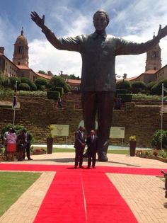 Nelson Mandela statue unveiled in Pretoria on South Africa's Day of Reconciliation Africa Day, New Africa, African Life, Visit South Africa, Historical Monuments, Pretoria, Famous Landmarks, African American Art, Nelson Mandela
