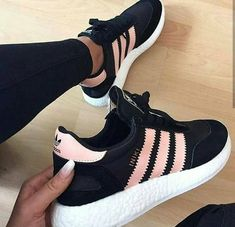 Sneakers femme - Adidas Superstar Rose Gold - Adidas Shoes for Woman Cute Sneakers, Best Sneakers, Cute Shoes, Adidas Sneakers, Shoes Sneakers, Adidas Iniki, Basketball Sneakers, Shoes Heels, Dream Shoes