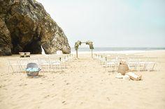 Beach Wedding - @vweddingportuga #weddinginportugal #vintageweddinginportugal #vintagewedding #portugalwedding #weddingportugal #weddingsinportugal #myvintageweddinginportugal #rusticwedding #rusticweddinginportugal #thequinta #weddinginsintra