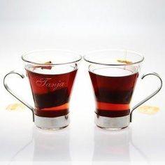 Dieses Teetassen Set mit Gravur ist ein liebevolles Geschenk für Teetrinker. Verschenke es an Paare oder schenke es deinem Partner. Individuelle Teetassen.