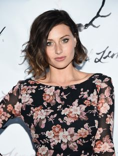 Alyson Michalka wavy bob~ Asymmetric Bob For Curly Hair Alyson Michalka's bob for wavy hair stands out thanks to its enviable volume and asymmetry with elongated right side. Such a cut turns out beneficial for any face shape and looks cool in any setting. Alyson Michalka wavy bob