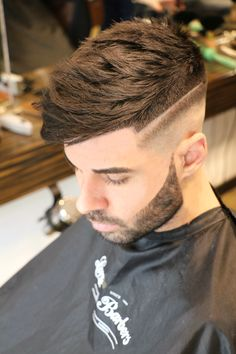 Men's HairStyles & HairCut 2019 realizado por @lordsandbarbers   •FINALISTA MEJOR BARBERO ESPAÑA 2016   #Elche #Barberia #Peluqueria #hombres  #LordsAndBarbers #Santapola #Alicante #LaMarina #Guardamar #Aspe #Orihuela #Novelda #Elda #Almoradi #Monforte #Catral #Albatera #Torrevieja #Crevillente #Umh #Callosa #Redovan #Dolores #Barbershop www.lordsandbarbers.com Santa Pola, Hairstyle Man, Hair And Beard Styles, Hair Styles, Latest Fashion, Mens Fashion, Hairstyles Haircuts, Barber Shop, Salons