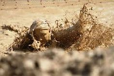 People playing in the mud - Google Search Obstacle Course Training, Obstacle Course Races, Mud Run, Tough Mudder, Spartan Race, Running Motivation, Lifestyle Online, Fitness, Boot Camp