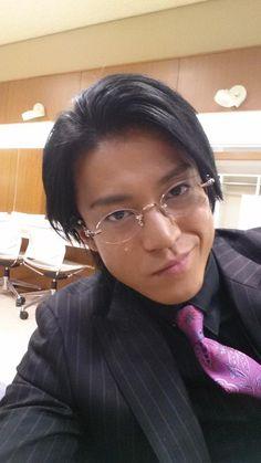 Jun Matsumoto, Shun Oguri, Crows Zero, Japanese Love, Kudo Shinichi, Asian Actors, Popular Culture, Embedded Image Permalink, Hot Guys