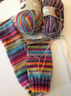 Diy Knitting Socks, Fair Isle Knitting, Knitted Hats, Crochet Woman, My Socks, Lana, Giveaway, Knitting Patterns, Slippers