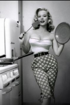 In The Joe Weider Met Betty Brosmer Who Was Then Highest Paid Pin Up Girl U