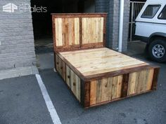 At 1001Pallets, we regularly receive creative ideas of beds made from recycled pallets. Today we will present you a selection …