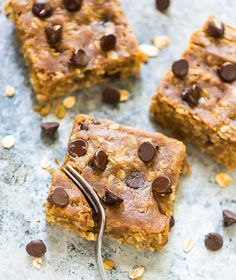 Healthy oatmeal chocolate chip bars