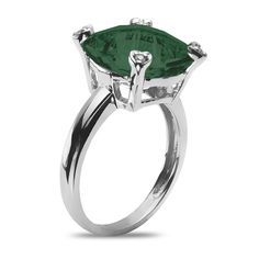 Ebay NissoniJewelry presents - Ladies' .04CT Diamond Fashion Ring with Green Onyx in 10k White Gold    Model Number:CG-4899W077GON    http://www.ebay.com/itm/Ladies-.04CT-Diamond-Fashion-Ring-with-Green-Onyx-in-10k-White-Gold/321612200504