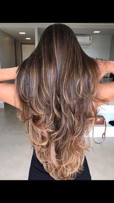 Trendy haircut for long hair v cut beautiful Long Hair V Cut, Haircuts For Long Hair Straight, Long Layered Haircuts, Long Hair With Bangs, Medium Hair Cuts, Medium Hair Styles, Curly Hair Styles, Beautiful Long Hair, Balayage Hair