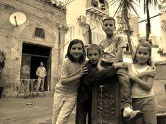 Bambini del centro storico di Palermo.