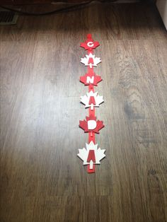 Jenn's Random Scraps: Get Your Canada Day On Diy Arts And Crafts, Fun Crafts, Crafts For Kids, Whistler Canada, Canada Day Crafts, Canada Day Party, Canada Holiday, World Thinking Day, Happy Canada Day