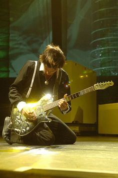 Matt Bellamy - Muse - Bank of America Pavillion, Boston, Massachusetts - USA  (August 2006)