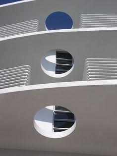 New art deco miami architecture Ideas Miami Architecture, Architecture Details, Miami Beach, South Beach, Art Nouveau, Miami Art Deco, Examples Of Art, Art Deco Buildings, Modern Art Deco
