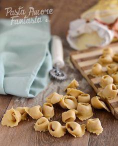Cappelletti al Prosciutto Crudo Tortellini, Ravioli, Pasta, Cereal, Almond, Stuffed Mushrooms, Vegetables, Breakfast, Food