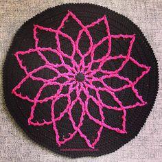 Free Mandala Pattern: http://www.ravelry.com/patterns/library/minimalist-cabled-mandala