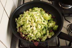 Quiche met broccoli en spekjes - Keuken♥Liefde Quiche, Lettuce, Sprouts, Om, Vegetables, Salad, Quiches, Vegetable Recipes, Salads