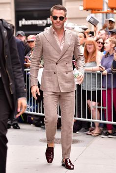 mens suits Formal -- Click above VISIT link for Mens Fashion Casual Shoes, Stylish Mens Outfits, Mens Fashion Suits, Fashion Edgy, Fashion Ideas, Fashion Inspiration, Fashion Trends, Double Breasted Suit Men, Rock Style Men
