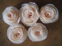 \How to Make Coffee Filter Flowers - Tutorials and Patterns. Tutorials and patterns to make flowers out of coffee filters. I've always enjoy paper crafts and have made many tissue paper flowers over the. Coffee Filter Crafts, Coffee Filter Flowers, Coffee Filters, Faux Flowers, Diy Flowers, Fabric Flowers, Fresh Flowers, Tissue Paper Flowers, Paper Roses