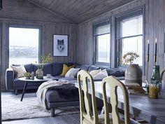 Keltainen talo rannalla: Mökkitunnelmaa Winter Cabin, Interior Decorating, Interior Design, Lake Tahoe, Guest Room, Beautiful Homes, Sweet Home, New Homes, Villa