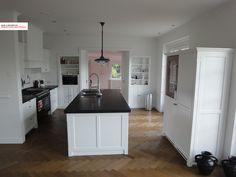 Classical kitchen combined with kamer ensuite elements. Landelijke keuken gecombineerd met kamer ensuite, door www.myhouse-amsterdam.nl