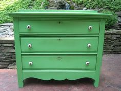Great tutorial for refinishing furniture!