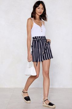 Belted shorts outfits - I Short As Much Striped Shorts Shop Clothes at Nasty Gal – Belted shorts outfits Belted Shorts Outfits, Summer Shorts Outfits, Funky Outfits, Trendy Summer Outfits, Short Outfits, Girl Outfits, Older Women Fashion, Striped Shorts, Navy Shorts