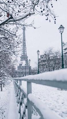 Paris Snow, Oh Paris, Tour Eiffel, Winter Photography, Film Photography, Photography Ideas, Beautiful World, Beautiful Places, Christmas In Paris