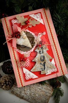 Χειροποίητο Χριστουγεννιάτικο βιβλίο ευχών για βάπτιση με ξύλινο δεντράκι και υφασμάτινες καρδούλες