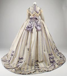 Worth day dress, 1867 (back view)