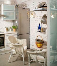 Farba na ścianie w kuchni. Tani sposób na efektowną dekorację kuchennych ścian