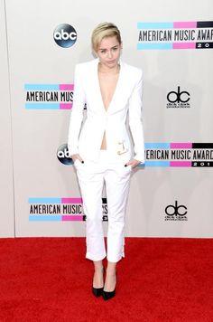 American Music Awards: veja os looks de estrelas como Taylor Swift