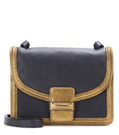 http://www.mytheresa.com/de-de/leather-shoulder-bag-612385.html?utm_source=Display