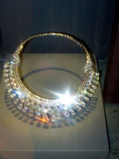 Minerals: Diamond (131.43 carats)  Donated by Mrs. Lita Annenberg Hazen in 1979. Designed by Harry Winston, Inc.    The Hazen Diamond Necklace was designed by Harry Winston, Inc. This statement necklace is made of platinum and contains 325 diamonds