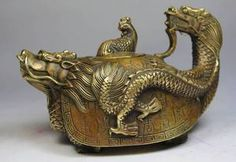 This is beautiful!!!! CHINESE OLD COPPER HANDWORK DRAGON TEA POT