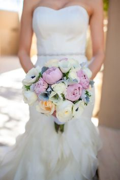 bridal bouquet; Featured Photography: Karie Denny Photography