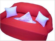 Das Mini-Sofa ist mit angenähter Rückenlehne und Armlehnen und 2 losen Kissen.  Der Bezug wird einfach über die Box gestülpt, ein Bezug passend f...