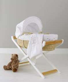 Classic Winnie The Pooh Moses Basket