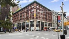 Manhattan Real Estate, Street View