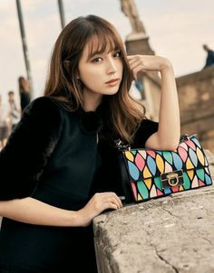 Lee Min Jung graced the cover of fashion magazine Grazia for its November issue. In the pictorial, Lee Min Jung is stunning as she walks the streets of an Lee Byung Hun, Lee Joon, Lee Min Jung, Korean Actresses, Korean Actors, Korean Idols, Korean Drama, Korean Beauty, Asian Beauty