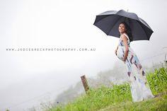 Google Image Result for http://jodiegreckphotography.com.au/blog/wp-content/uploads/2011/02/maternity-photography-sunshine-coast.jpg