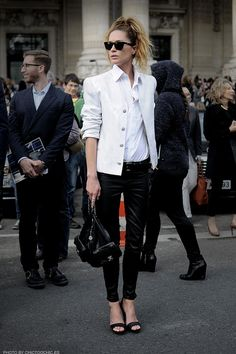 090db65f8b441 15 Inspiring Black  amp  White Ensembles To Try Now - fashion tips on how to